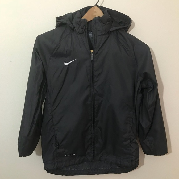 a99194f35377 Nike Boy s Hooded Windbreaker in Black. M 5a669c9985e605b6bcbc9a60
